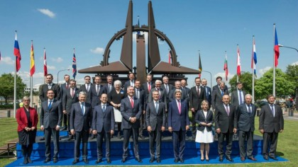 Nato-ministers-19-May-2016